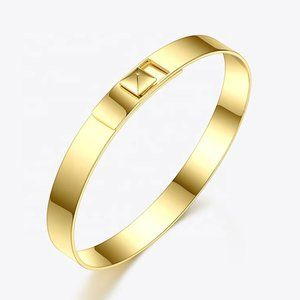Jewelry - NEW Minimalist Pyramid Stud Bracelet Bangle